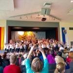 057-01-Schulfest-Tanzen