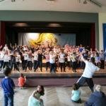 058-Schulfest-Tanzen